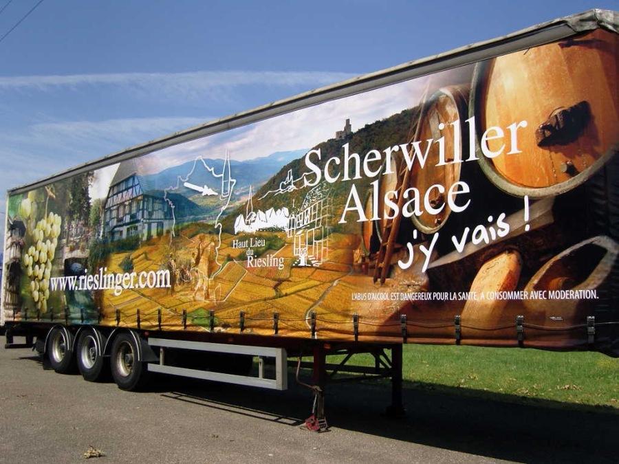 Création d'une décoration de remorque pour les Rieslinger de Scherwiller par l'Agence Cré Home.
