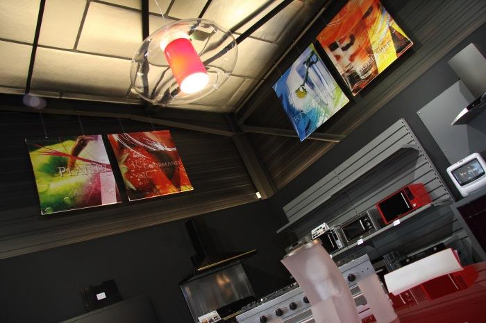 Création graphique pour décoration de magasin Design Madaule à Narbonne par l'Agence Cré Home.