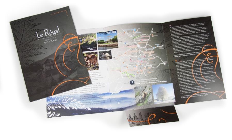 Création et mise en page d'un livret d'accueil pour l'Hôtel Restaurant Le Régal par l'Agence Cré Home.