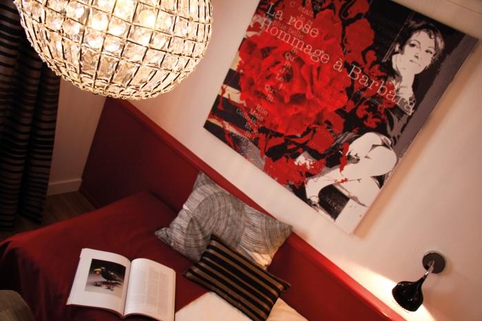 Création de toiles sur le thèmes de la rose pour l'Hôtel Roses de Strasbourg par l'Agence Cré Home.